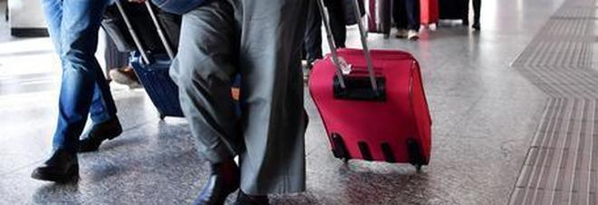Caos nei trasporti: fermi per 8 ore aerei, treni, bus e metro