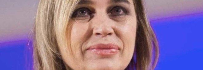 Gf Vip 2018, Lory Del Santo in lacrime: ecco cosa ha confessato a Walter Nudo