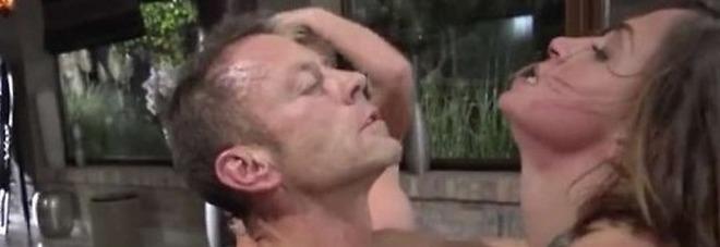 Taylor pioggia anale porno