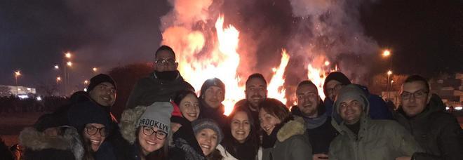 Scattano un selfie alla Focara: nel fumo appare il volto del Santo
