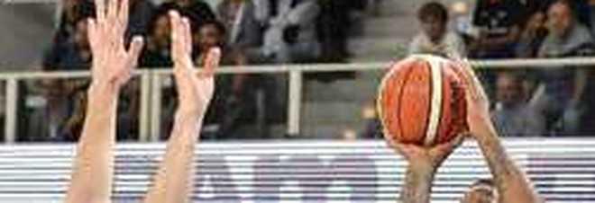 Milano, «negro di m...»: insulti razzisti a partita basket