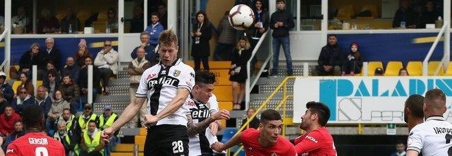 Il Parma vince ed è salvo, la Fiorentina è nel baratro