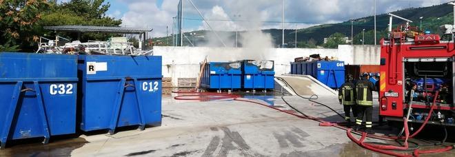 Incendio isola ecologica Cervino