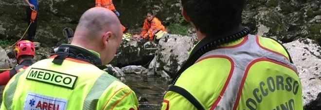 Tragedia sul Pasubio, escursionista  scivola e precipita: muore a 47 anni