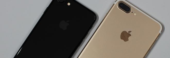 Iphone e non solo, Apple invita gli utenti ad aggiornare iOS e software: «Gravi rischi per la sicurezza»
