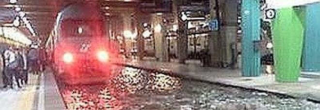 Bomba d'acqua su Napoli, stop alla linea 2 della metropolitana
