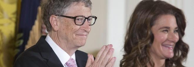 «Pagheremo noi»: Bill Gates e la moglie Melinda pronti a coprire le spese del vaccino anti Covid