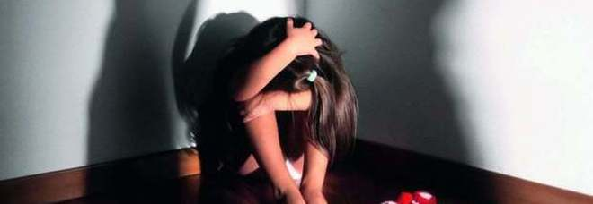 Rom picchia e vende le figlie per le nozze: arresto Codice rosso