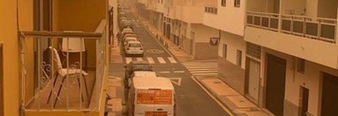 Interrotto il traffico aereo nelle Canarie per una forte ondata di sabbia africana