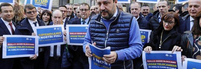 Voli di Stato, l'annuncio di Salvini: «Altro processo in arrivo». L'accusa stavolta è abuso d'ufficio