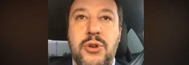 """Sanremo, Salvini: """"Troppe canzoni sui migranti, chissà quando parleranno dei terremotati"""""""