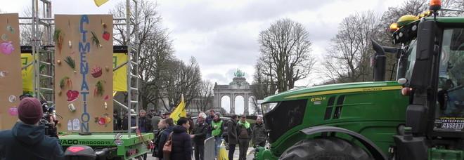 Bilancio Ue: 100 trattori a Bruxelles contro tagli alla Pac