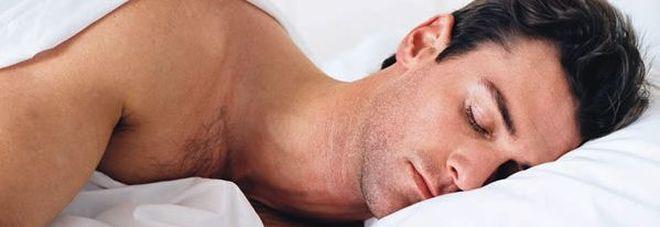 Dormire con l'aria condizionata fa male ? I consigli per impostarla correttamente