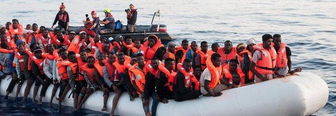 Migranti, 20 cadaveri recuperati in acque libiche