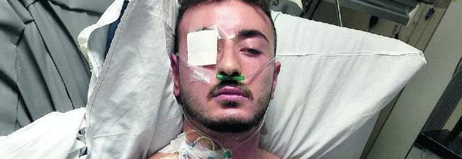 Mirko il giovane accoltellato a Malta:  «Mi ha pugnalato mentre dormivo»