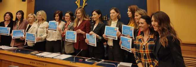 Violenza sulle donne, Carfagna: «Da M5s atti propagandistici»