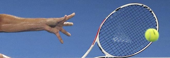 Tennis e scommesse, blitz e arresti: «Coinvolti 28 giocatori». Uno ha partecipato agli US Open
