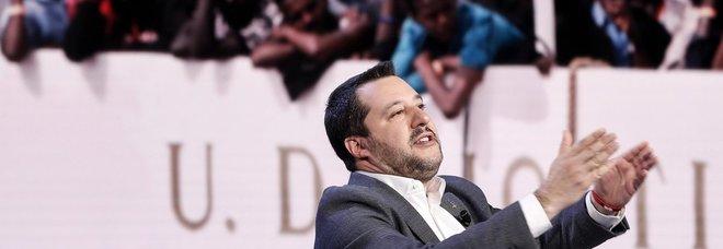 Salvini attacca: «L'Italia non è più il campo profughi di tutt'Europa»
