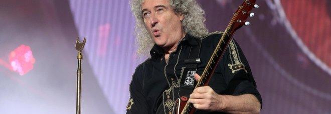 Coronavirus, Brian May, chitarrista dei Queen: «La causa della pandemia è colpa del consumo di carne»