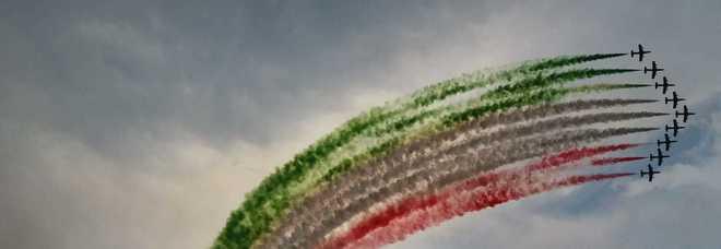Lo spettacolo delle Frecce Tricolori a Lignano nelle foto di Luigino Venchiarutti