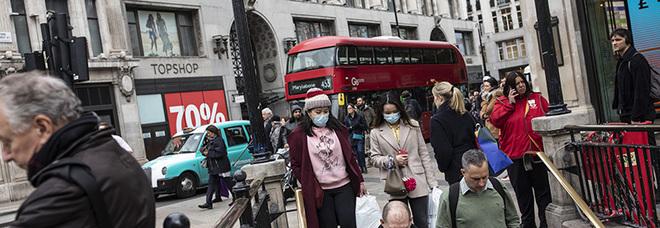 Coronavirus, studio di Oxford: «In Gran Bretagna raggiunta l'immunità di gregge»