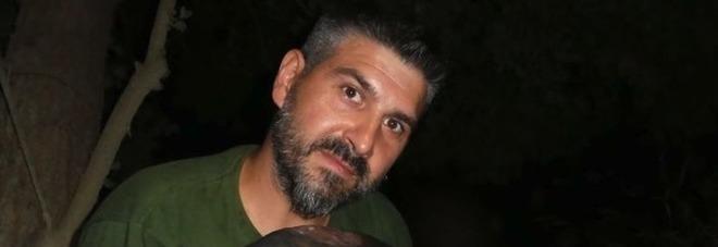 Operaio licenziato si suicida a 40 anni: Simone si è impiccato nel luogo in cui amava pescare