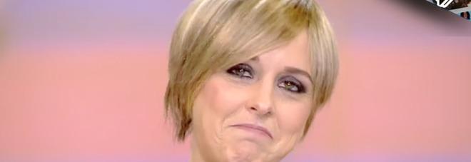 Nadia Toffa torna a Le Iene con la parrucca: