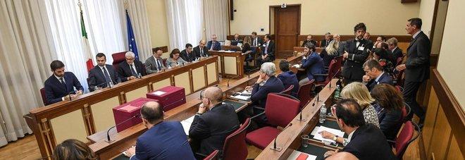 Un momento della prima convocazione della  Commissione parlamentare bicamerale d'inchiesta sulle  banche (ansa)