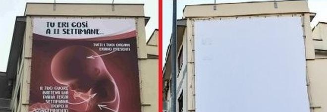 Roma, rimosso il cartellone contro l'aborto dell'associazione Pro Vita