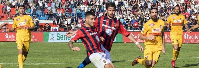 Il Cosenza esulta con doppio Tutino,  il Brescia recupera due gol