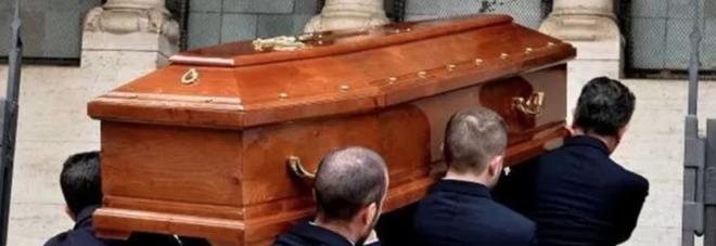 «Due sotto», il concorso musicale per le marce funebri dei funerali: «Valorizzare il commiato»