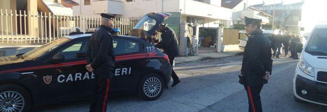 Trovato un cadavere in casa La morte risale a giorni fa Indagano i carabinieri