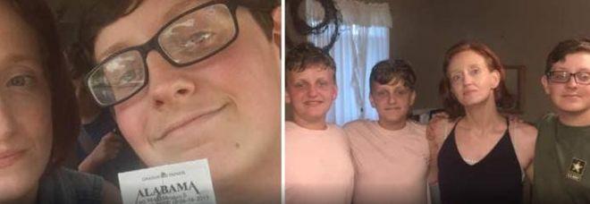 Uccide la madre e i fratelli, poi va a scuola come se non fosse successo nulla: arrestato un 16enne