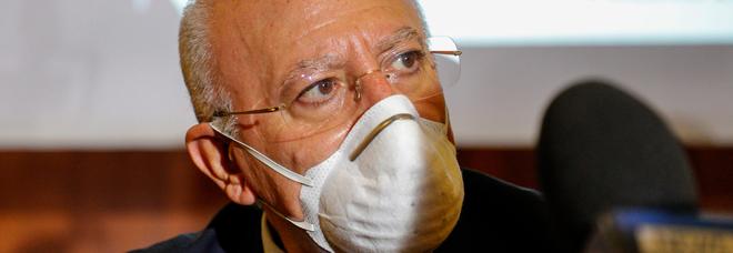 Coronavirus, De Luca ha deciso: in Campania mascherina obbligatoria anche all'aperto