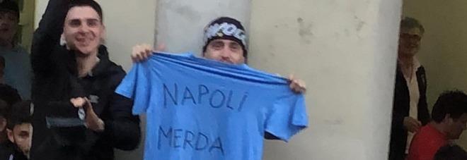 I tifosi della Juve offendono Insigne, il Napoli: «È una vergogna»