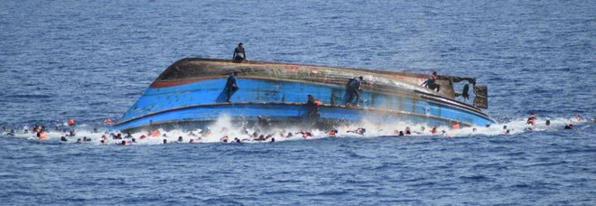 Migranti, naufragio al largo della Tunisia: «Almeno 70 morti»