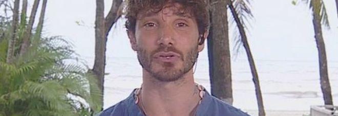 Stefano De Martino in difficoltà sull'Isola dei Famosi: