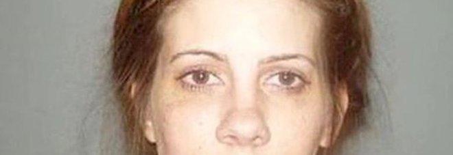 Professoressa fa sesso con una studentessa 15enne malata di anoressia, condannata