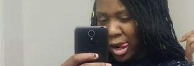 Mamma partorisce i gemellini in casa e poi li uccide: «Voleva simulare una morte accidentale»