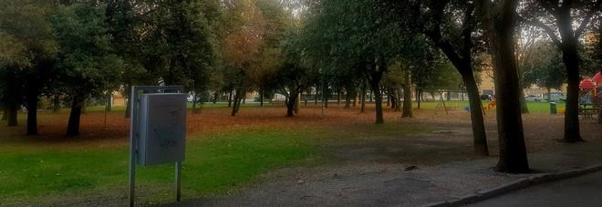 Raffica di furti vicino al parco troppo buio: tre sospetti espulsi dalla città