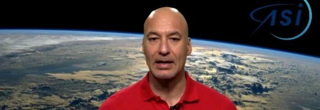 Luca Parmitano in diretta da Houston: «La sostenibile pesantezza dell'essere» Guarda in diretta