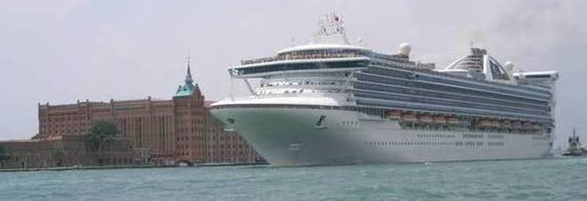 Scomparsa dalla nave da crociera, la donna fa parte dell'equipaggio