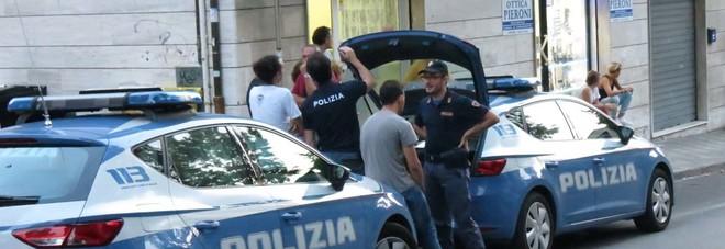 La polizia in via Torresi