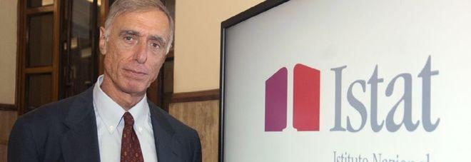 Istat, cambia il paniere dei prezzi: esce il canone Rai, entra il mango