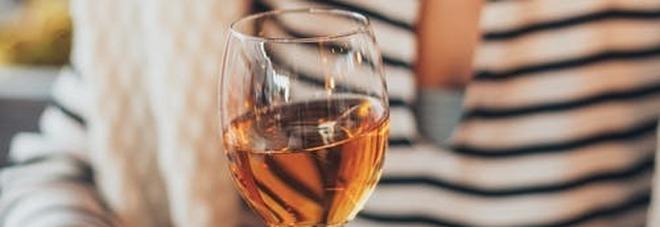 Le donne attratte dagli alcolici sono in crescita, soprattutto le più giovani