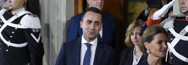 Di Maio attacca gli Eurocrati: «Più ci attaccano più ci motivano». Salvini: interferenze inaccettabili