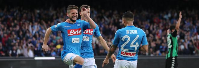 Il Napoli non fa scherzetti: tris al Sassuolo, azzurri in testa