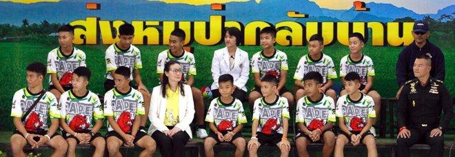 Thailandia, i 12 ragazzi della grotta dimessi dall'ospedale