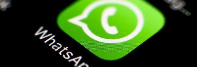 WhatsApp ci ripensa, torna il vecchio status di testo