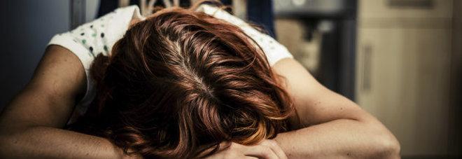 Dentista segrega e tortura la domestica di 14 anni: un vicino sente le grida e denuncia